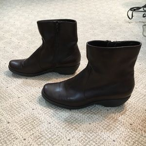 NWOT! Aerosoles Speartint Ankle Boots.